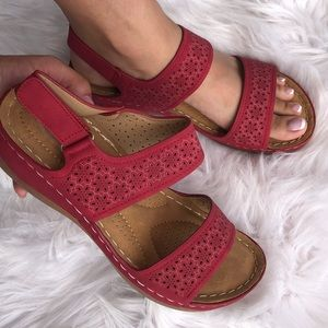 EZ Red Hook Loop Slingback Comfort Wedge Sandal